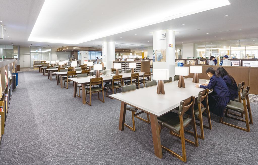 沖縄県立図書館 ©キハラ株式会社