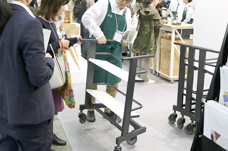 ネスティング ブックトラック©キハラ株式会社