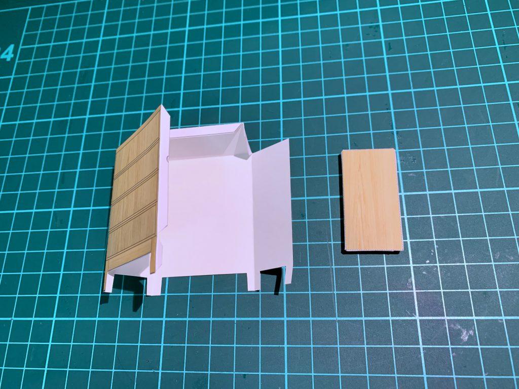 木製カードケース ペーパークラフト作成中 ©キハラ株式会社
