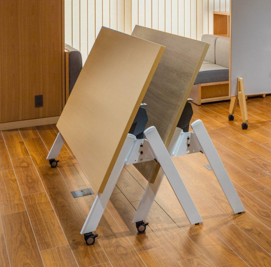 モブロテーブル③ ©キハラ株式会社